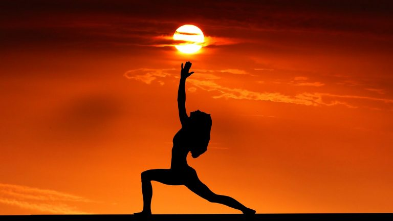 yoga retraite sunset